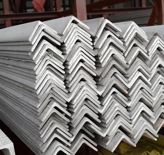镀锌角钢供应